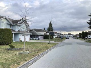 Photo 2: 9316 152A Street in Surrey: Fleetwood Tynehead House for sale : MLS®# R2454969