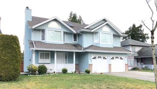 Photo 1: 9316 152A Street in Surrey: Fleetwood Tynehead House for sale : MLS®# R2454969