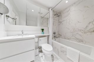 "Photo 18: 206 1628 W 4TH Avenue in Vancouver: Fairview VW Condo for sale in ""Radius"" (Vancouver West)  : MLS®# R2470236"