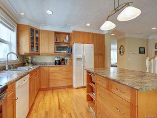 Photo 8: 564 Oliver St in Oak Bay: OB South Oak Bay House for sale : MLS®# 841071