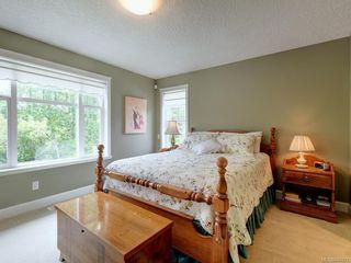 Photo 16: 564 Oliver St in Oak Bay: OB South Oak Bay House for sale : MLS®# 841071