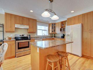 Photo 7: 564 Oliver St in Oak Bay: OB South Oak Bay House for sale : MLS®# 841071