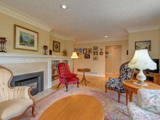 Photo 4: 564 Oliver St in Oak Bay: OB South Oak Bay House for sale : MLS®# 841071