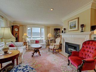 Photo 3: 564 Oliver St in Oak Bay: OB South Oak Bay House for sale : MLS®# 841071