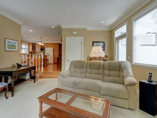 Photo 14: 564 Oliver St in Oak Bay: OB South Oak Bay House for sale : MLS®# 841071