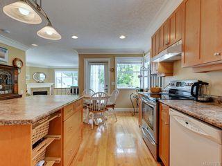 Photo 10: 564 Oliver St in Oak Bay: OB South Oak Bay House for sale : MLS®# 841071