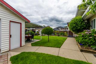 "Photo 3: 45907 LAKE Drive in Chilliwack: Sardis East Vedder Rd House for sale in ""SARDIS PARK"" (Sardis)  : MLS®# R2483921"