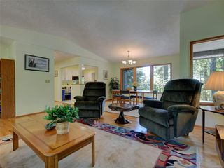 Photo 4: 4970 Prospect Lake Rd in : SW Prospect Lake House for sale (Saanich West)  : MLS®# 854469
