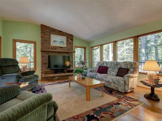 Photo 2: 4970 Prospect Lake Rd in : SW Prospect Lake House for sale (Saanich West)  : MLS®# 854469
