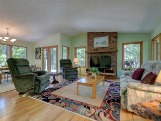 Photo 3: 4970 Prospect Lake Rd in : SW Prospect Lake House for sale (Saanich West)  : MLS®# 854469