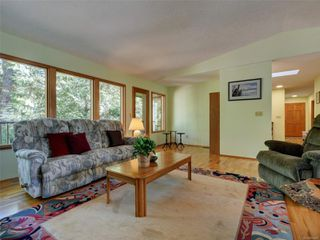 Photo 5: 4970 Prospect Lake Rd in : SW Prospect Lake House for sale (Saanich West)  : MLS®# 854469