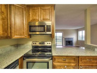 Photo 2: CLAIREMONT Condo for sale : 2 bedrooms : 2929 Cowley Way #H in San Diego