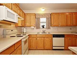 "Photo 5: 42 8889 212 Street in LANGLEY: Walnut Grove Townhouse for sale in ""GARDEN TERRACE"" (Langley)  : MLS®# F1311330"