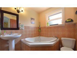 Photo 10: 946 E 24TH AV in Vancouver: Fraser VE House for sale (Vancouver East)  : MLS®# V1035730