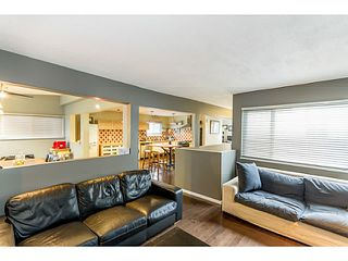 Photo 4: 1631 - 1633 SPERLING AV in Burnaby: Parkcrest Home for sale (Burnaby North)  : MLS®# V1045462