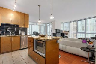 Photo 6: Vancouver West in Coal Harbour: Condo for sale : MLS®# R2068670
