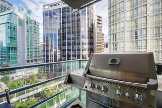 Photo 2: Vancouver West in Coal Harbour: Condo for sale : MLS®# R2068670
