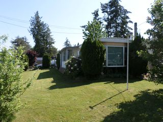 Photo 3: 2203 Crystal Court in Abbotsford: Poplar Manufactured Home for sale : MLS®# R2271129
