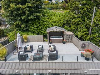 "Photo 32: 14616 WEST BEACH Avenue: White Rock House for sale in ""WHITE ROCK"" (South Surrey White Rock)  : MLS®# R2408547"