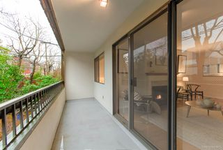 "Photo 14: 215 550 E 6TH Avenue in Vancouver: Mount Pleasant VE Condo for sale in ""Landmark Gardens"" (Vancouver East)  : MLS®# R2433300"