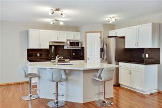 Photo 4: 193 SADDLECREST Place NE in Calgary: Saddle Ridge Detached for sale : MLS®# C4292380