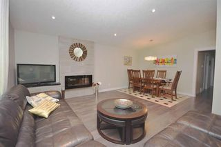Photo 4: 10419 2 Street SE in Calgary: Willow Park Detached for sale : MLS®# C4296680