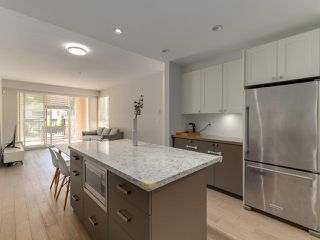 Photo 5: 122 3399 NOEL Drive in Burnaby: Sullivan Heights Condo for sale (Burnaby North)  : MLS®# R2503432