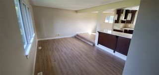 Photo 2:  in Edmonton: Zone 22 House for sale : MLS®# E4217448