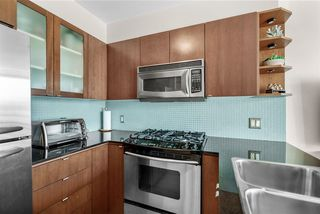 """Photo 7: 1002 822 SEYMOUR Street in Vancouver: Downtown VW Condo for sale in """"L'Aria"""" (Vancouver West)  : MLS®# R2507904"""