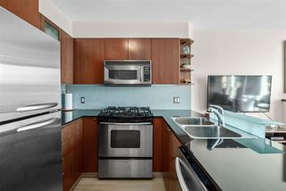 """Photo 8: 1002 822 SEYMOUR Street in Vancouver: Downtown VW Condo for sale in """"L'Aria"""" (Vancouver West)  : MLS®# R2507904"""