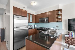 """Photo 9: 1002 822 SEYMOUR Street in Vancouver: Downtown VW Condo for sale in """"L'Aria"""" (Vancouver West)  : MLS®# R2507904"""