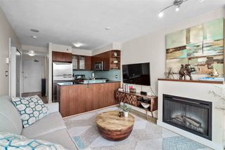 """Photo 4: 1002 822 SEYMOUR Street in Vancouver: Downtown VW Condo for sale in """"L'Aria"""" (Vancouver West)  : MLS®# R2507904"""
