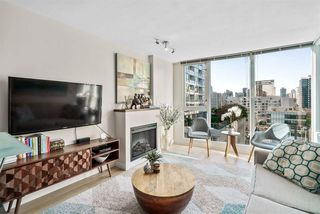 """Photo 2: 1002 822 SEYMOUR Street in Vancouver: Downtown VW Condo for sale in """"L'Aria"""" (Vancouver West)  : MLS®# R2507904"""