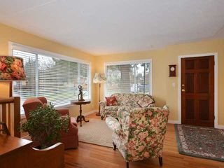 "Photo 3: 3058 GLEN Drive in Vancouver: Mount Pleasant VE House for sale in ""Cedar Cottage"" (Vancouver East)  : MLS®# V937077"
