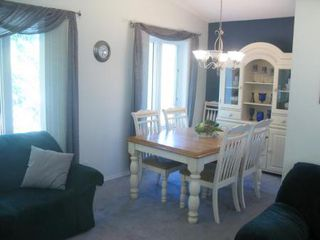 Photo 5: Beautiful 3 Bedroom Bi-Level