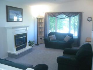 Photo 2: Beautiful 3 Bedroom Bi-Level