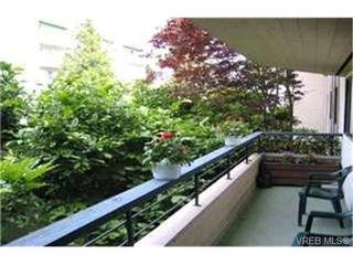 Photo 2:  in VICTORIA: Es Kinsmen Park Condo for sale (Esquimalt)  : MLS®# 368183
