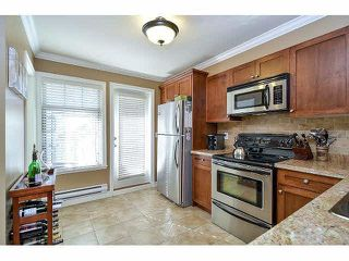 "Photo 8: 18 6238 192ND Street in Surrey: Cloverdale BC Townhouse for sale in ""BAKERVIEW TERRACE"" (Cloverdale)  : MLS®# F1420554"