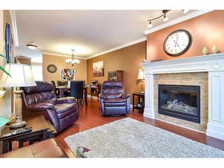 "Photo 3: 18 6238 192ND Street in Surrey: Cloverdale BC Townhouse for sale in ""BAKERVIEW TERRACE"" (Cloverdale)  : MLS®# F1420554"