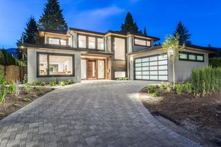 Main Photo: 926 Wentworth Street in North Vancouver: Forest Hills NV House for sale : MLS®# V1140365