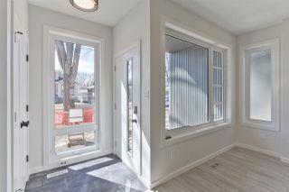 Photo 2: 7628 92 AV NW NW in Edmonton: Zone 18 House for sale : MLS®# E4152762