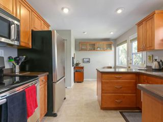 "Photo 3: 5399 WELLBURN Drive in Delta: Hawthorne House for sale in ""VICTORY SOUTH"" (Ladner)  : MLS®# R2396846"