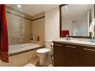 Photo 16: 6379 ARGYLE Ave in West Vancouver: Home for sale : MLS®# V1016991