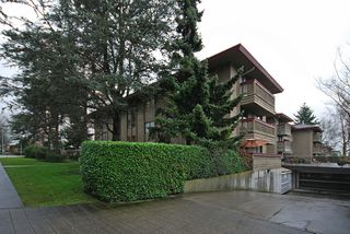 """Photo 14: 206 436 7 Street in New Westminster: Uptown NW Condo for sale in """"REGENCY COURT"""" : MLS®# V989182"""