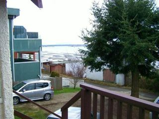 Photo 2: 15372 VICTORIA AV: White Rock House for sale (South Surrey White Rock)  : MLS®# F1309608