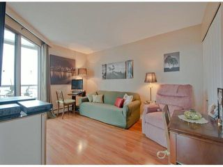 Photo 4: 809 15111 RUSSELL Avenue: White Rock Condo for sale (South Surrey White Rock)  : MLS®# F1312182