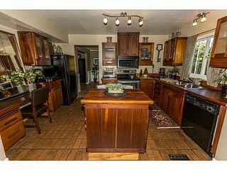 """Photo 10: 5255 4TH Avenue in Tsawwassen: Pebble Hill House for sale in """"PEBBLE HILL"""" : MLS®# V1016164"""