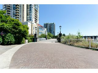 Photo 17: # 901 10 LAGUNA CT in New Westminster: Quay Condo for sale : MLS®# V1075024