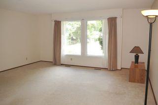 Photo 2: 58 McGill Place in Winnipeg: Fort Richmond Single Family Detached for sale (South Winnipeg)  : MLS®# 1419902
