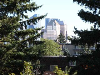 Photo 4: 1904 23 Avenue SW in Calgary: Bankview Residential Detached Single Family for sale : MLS®# C3633541
